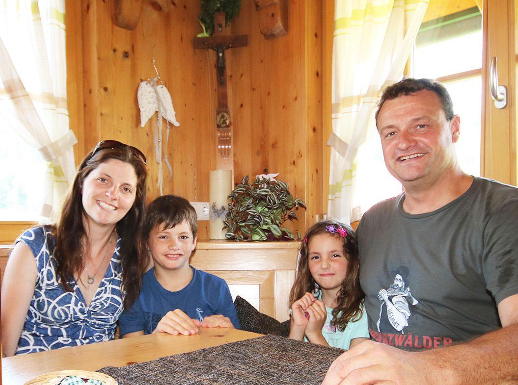 Sabine und Peter Börsig mit Kindern